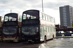 719-01 (Ian R. Simpson) Tags: yx07hkf volvo b7tl wright eclipsegemini eastyorkshire eyms bus 719 vikingfm advert yx09gwg b9tl gemini2 762