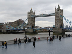 Tower Bridge (jane_sanders) Tags: london towerbridge bridge riverthames river thames queenswalk morelondon londonbridgecity thetower hotel guoman canarywharf stkatharinedocks