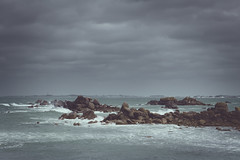 Between sky & sea (Aby Images) Tags: canon eos 100d 50mm bretagne brittany finistère sea sky cléder vintage wild coast