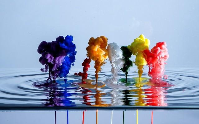 Обои краска, вода, жидкость картинки на рабочий стол, фото скачать бесплатно
