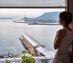Takamatsu (Japon, 2016) (yoannpupat) Tags: japon setouchi takamatsu a7r sony summicron 50mm leica seascape windows inland sea setonaikai