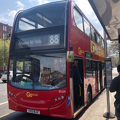 New era for the 88 is similar to the one five years ago - only this time with an extension to the Hampstead fields. | Go-Ahead London General ADL Enviro 400H (YX13BJZ) on the 88 to Parliament Hill Fields. (alexpeak24) Tags: eh29 yx13bjz hybrid enviro400h alexanderdennis parliamenthillfields claphamcommon 88 london goahead