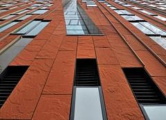 Alles eine Frage der Perspektive (madbesl) Tags: hamburg germany deutschland hafencity fassade sumatrakontor perspektive perspective architecture architektur modern modernarchitecture modernearchitektur überseequartier olympus omd em10 m10 omdem10 zuiko1250