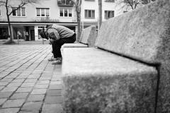 powernapping (99streetstylez) Tags: people candid streetphotography strassenfotografie streetphoto 99streetstylez man sleeping 28mm fujix100f monochrome city metropole