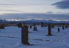 58/365 2019 (d2roberts) Tags: 365the2019edition 3652019 day58365 27feb19 cemetery montrose colorado snow sunrise