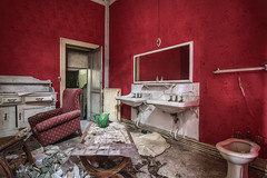 Red room (ForgottenMelodies) Tags: urbex building decay abandonné exploration lost indoor urban pentax k3 oublié castle france abandoned europe forgotten derelict