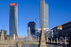 Milano Citylife: ... piccoli grattacieli crescono (Gian Floridia) Tags: allianz citylife generali hadid isozaki libeskind milano pwc ilcurvo ildritto lostorto tretorri milan provinceofmilan italy it