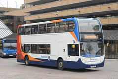 SE 19694 @ Peterborough Queensgate bus station (ianjpoole) Tags: stagecoach east alexander dennis enviro 400 ae60jpx 19694 working route 1 ferryview orton wistow three horseshoes werrington