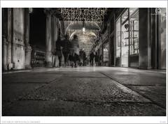 2016 Venezia, Portici di Piazza San Marco - Good Night Venice n. 89 (Angelo A.Filippin) Tags: venice veneto angeloaldofilippinphoto photo cool fineart blackwhite monotone monochrome light people italianphotographers popular bw 2016