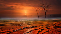 rosso inferno (Zz manipulation) Tags: artambrosionizzmanipulation zzmanipulation inferno rosso arsura natura acqua cielo saline
