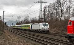 42_2019_02_08_Gelsenkirchen_Almastr_1232_230_DB_mit_Coilzug ➡️ Oberhausen6193_813_Rpool_mit_Flixtrain_1802 ➡️ Hamburg (ruhrpott.sprinter) Tags: ruhrpott sprinter deutschland germany allmangne nrw ruhrgebiet gelsenkirchen lokomotive locomotives eisenbahn railroad rail zug train reisezug passenger güter cargo freight fret schalkerverein almastrasse abrn brll ctd db de erb rpool 403 0275 0422 0648 1223 1232 1428 3294 6101 6111 6146 6185 6193 ec9 re2 re3 rb46 s2 siemens vectron outdoor logo natur graffiti