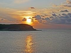 Espagne, l'île de Ibiza, un coucher de soleil à la Cala Portinatx (Roger-11-Narbonne) Tags: espagne île ibiza coucher soleil mer méditerranée baie