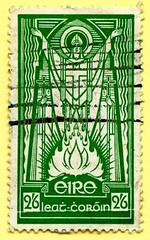 *March 17th* St. Patrick's Day (Irish National Day); old stamp Eire Ireland 2,6 Sh St. Patrick (Naomh Pádraig; patron saint of Ireland; Patrick von Irland, Patrick d'Irlande, Святой Па́трик, Sanctus Patricius, San Patrizio, Szent Patrik, 聖博德, Sveti Patrik (stampolina, thx for sending stamps! :)) Tags: stamps stamp postzegel zegels postzegels timbre timbres postes postage briefmarken briefmarke sello sellos selos selo bolli bollo francobolli francobollo طوابع 邮票 razítka markica frimærker postimerkkejä γραμματόσημα בולים टिकटों bélyegek スタンプ 우표 antspaudai frimerker znaczki znamk pulları แสตมป์ markas eire irland ireland irlandia आयरलैंड 아일랜드 irlanda írország svetipatrik march17th stpatricksday old stpatrick naomhpádraig patron saint patrickvonirland patrickdirlande святойпа́трик sanctuspatricius sanpatrizio szentpatrik 聖博德 green grün verde stpaddys patronsaint cross fire osterfeuer easterfire church christentum christians nationalday stpatsday