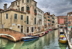 Rio dei Tolentini (Jan Kranendonk) Tags: venice venetian italy italian europe european buildings city town architecture travel water canal street alley narrow small little houses home boats people tourists jetty hdr bridge venezia old historical sky cloudy clouds