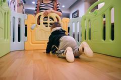 DSCF1031 (Brian HCH) Tags: xt1 fujifilm brianhuang 小黃金 寶寶 寶貝兒子 baby dd golden 鞋子 亞瑟士 asics suku2 first