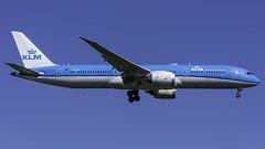 PH-BHI_JFK_Landing_22L (MAB757200) Tags: klm royaldutchairlines b7879 phbhi aircraft airplane airlines jetliner jfk kjfk boeing landing runway22l