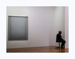 La force de l'art (hélène chantemerle) Tags: alancharlton1974 exposition bnf personne exhibition people painting art museum