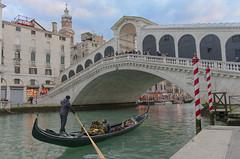 Ponte di Rialto (antonio.martina) Tags: venezia venice ponte di rialto italy architettura veneto gondola laguna