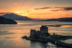 Eilean Donan Castle (GenerationX) Tags: a87 ardelve barr carndu dornie eileandonancastle eileantioram highlands isleofskye kintail kyleoflochalsh kyleakin lagg lochalsh lochduich lochlong neil scotland scottish sgùrrnacoinnich westerross bridge clouds dusk evening lake landscape loch mountains purple sea sky sunset water