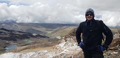 The Mount Chacaltaya (5,421 meters or 17,785 ft), the Cordillera Real, Bolívia, South America. (ER's Eyes) Tags: secondsummitofchacaltaya trekchacaltayasummit amateurmountainner mountaineer alpinista alpinistaamador esporte sport extremesport radicalsport esporteradical summit cume peak formerskiresort glacier meltedglacier southamerica americadosul thecordillerareal thecordilleraoriental bridgesofwinds windsmeetingpoint mollolanguage aymara coldroad thebolivianandes theandes chacaltayasglacier bolivia bolívia lapaz mountain montanha neve snow cerrochacaltaya verão summer sobrinho nephew abner moonvalleyandchacaltayamountainsharedfulldaytour intitravel tripadvisor viator mariaauxiliadorachurch pico natureza nature sharedtour tour passeio travelguide guia passeiocompartilhado