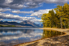 Walking the Shore (Phil's Pixels) Tags: lakemcdonald mcdonaldlake glaciallake glacialwaters autumn fall fallfoliage apgar glaciernationalpark montana