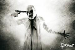 Skull man (alexipkrad) Tags: skull calavera dead cadenas ahorcado man body cruz bondage horror alexipkrad dark digital art photography fotografia