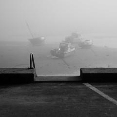 Ici et là (cactus2016) Tags: fog brouillard noiretblanc blackandwhite boats bateaux géométrie bréhec bretagne blackwhitepassionaward