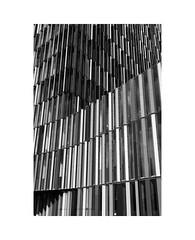 stripes (Karl-Heinz Bitter) Tags: karlheinzbitter architektur architecture abstract stripes black white blackwhite monochrom monochrome framed frankfurt building fassade facade