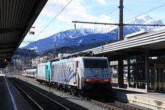 Lokomotion 189 917 en 185 576 te Innsbruck HBF (vos.nathan) Tags: innsbruck hbf hauptbahnhof matrei am brenner lokomotion traxx br 189 baureihe 917 185 576
