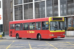 Red Rose 50510 W402UGM (Will Swain) Tags: high wycombe 5th october 2018 chilterns bus buses transport travel uk britain vehicle vehicles county country england english town centre red rose 50510 w402ugm former abellio london 8402