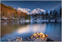Grosser Oedsee am Abend (Karl Glinsner) Tags: landschaft landscape österreich austria oberösterreich upperaustria outdoors berge mountains schnee lake see trees bäume snow grosseroedsee almtal abend abendstimmung evening
