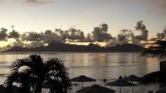 Polynésie 2019 - Tahiti (Valerie Hukalo) Tags: punaauia crepusculo sunset hukalo valériehukalo tahiti polynésiefrançaise polynesia océanpacifique pacificocean moorea archipeldelasociété archipel island île océanie polynésie françaisefrench polynesiaocéan pacifiquepacific oceanfrancearchipel de la société