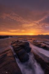 Amanecer de Sur (Caramad) Tags: castrourdiales landscape olas ostende rocks agua longexposure amanecer nubes cantabria vientosur spain sunrise seascape sea color marcantábrico dorado