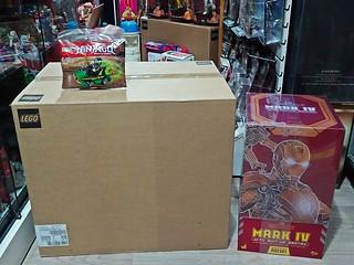 Recent Arrivals – Another LEGO 75192 Millennium Falcon & Hot Toys MMS462 D22 Iron Man 2 Diecast Iron Man Mk IV with Suit-Up Gantry Set - 17 Feb 2019