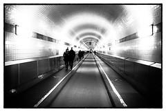 Im alten Elbtunnel (kurtwolf303) Tags: hamburg stadt tunnel elbtunnel people persons monochrome sw bw germany deutschland kurtwolf303 olympusem5 mft omd architecture architektur streetphotography