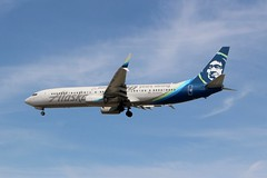 Alaska Airlines (So Cal Metro) Tags: airline airliner airplane aircraft aviation airport plane jet lax losangeles la alaska alaskaair alaskaairlines aag boeing 737