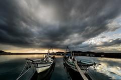 秋穂漁港ーAio fishing port (kurumaebi) Tags: yamaguchi 秋穂 山口市 nikon d750 nature landscape 雲 cloud sky 空 dusk sunset 夕焼け port 漁港 boat 船