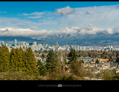 Queen Elizabeth Park view in Vancouver, BC, Canada (Ann Badjura Photography) Tags: queenelizabethpark qepark vancouver britishcolumbia bc canada vancitybuzz miss604 604now 24hrvancouver georgiastraight ctvphotos beautifulbc colourfulvancouver insidevancouver iamcanadian northshoremountains park scenery mountains snow annbadjura photonewsgallery photography landscape pacificnorthwest pacificnw downtownvancouver canadianbeauty ourcanada