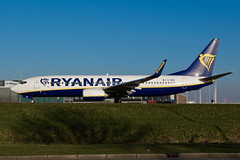 EI-EBE_B737NG_AMS_08JAN18 (Plane Shots) Tags: ams b737 b737ng eham jetliner ryanair eiebe