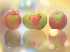 Apples... #SmileonSaturday #OddOneOut (KissThePixel) Tags: smileonsaturday oddoneout saturdaytheme nikon nikond750 50mm f14 14 sigma50mm sigmaart creative tabletopphotography bokeh macro apple apples food fruit theme group saturday february makro closeup stilllife