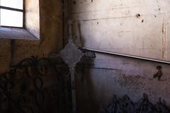 Q U I E T _ A B A N D O N E D (Alfred Bold / Neubruch Photography / Moosburg GANZ) Tags: urbex lost lostplace abandoned verlasseneorte christ kreuz church sonya7 sony zeiss decay