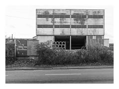 Die Stadt 279 (sw188) Tags: deutschland nrw westfalen ruhrgebiet dortmund körne sw stadtlandschaft street bw blackandwhite industrielandschaft industriegebiet