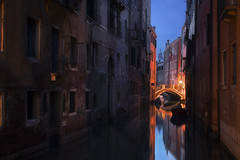 Venetian paths 141(Ramo Narisi) (Maurizio Fecchio) Tags: venice venezia italy italia sunset tramonto travel tranquility city cityscape architecture church bridge boats lights atmosphere nikon d7100 longexposure tranquil outdoors reflections nopeople
