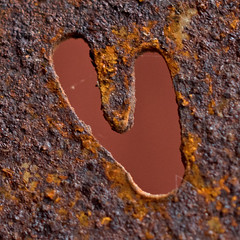 Hole (Helena Johansson 71) Tags: hole rusty macro macromondays heart nikond5500 d5500 nikon valentinesday