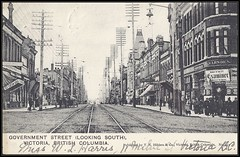 c. 1906 Black & White Postcard - Government Street / Looking South, at Victoria, British Columbia (Treasures from the Past) Tags: postcard governmentstreet victoria britishcolumbia wlharris hlkent blackwhite