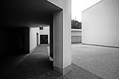Architecture (Francisco (PortoPortugal)) Tags: 0322019 20100428fol0014 bw nb pb monochrome monocromático arquitectura architecture museu museum serralves museudeartecontemporânea porto portugal franciscooliveira