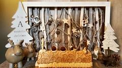 Joyeux Noël! (Claire Coopmans) Tags: merrychristmas joyeuxnoel noel christmas bavarois siropderable patisseries patisserie cake gateau mousse biscuit joconde amande pommes apples pommescaramélisées caramel caramelbeurresalé repas dessert belgique belgium repasdefamille repasdefetes