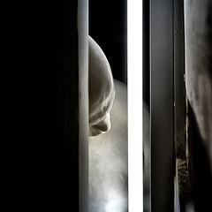 """Retrato - Portrait (Bernardí Roig. """"Todos los iceberg son negros"""" en Tabacalera Promoción de Arte) (COLINA PACO) Tags: bernardiroig tabacalerapromocióndearte sculpture escultura exhibition exposición retrato ritratto portrait"""