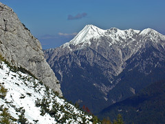 Kepa / Mittagskogel (Vid Pogacnik) Tags: slovenija slovenia julianalps martuljekgroup sleme outdoors hiking landscape mountain snow autumn kepa mittagskogel