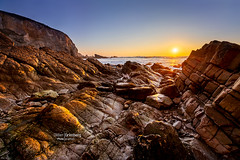 18DGR09943 (BreizHorizons) Tags: crozon crozonmorgat presquîledecrozon presquiledecrozon falaises coucherdesoleil soleil rochers iroise parcnaturelrégionaldarmorique parcmariniroise didiergrimberg seascape mer